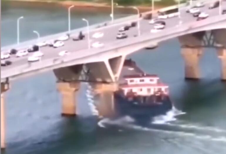 """""""长沙猴子石大桥被撞""""续:没有裂缝,不影响今后出行"""